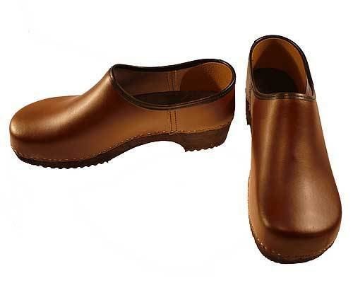 Clogs closed brown