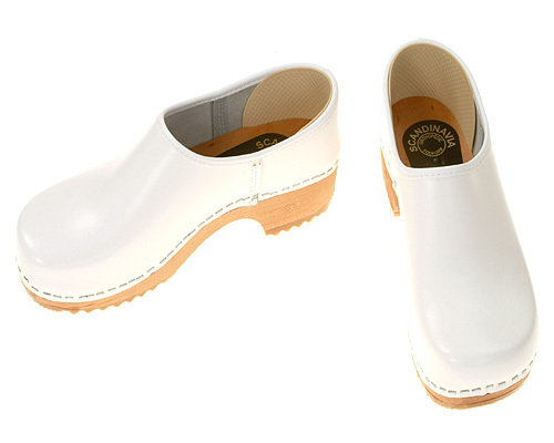 Clogs closed white
