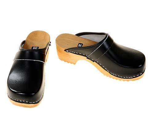 Wooden clogs black / bright sole