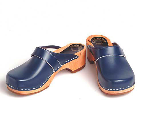 Holzclogs blau