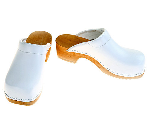 Wooden clogs white with pad