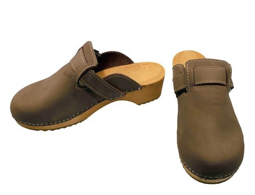 Nubuk leather Clogs with buckle brown