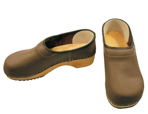 Nubuk leather Clog closed heel brown