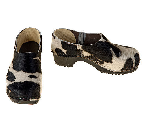 Closed Cowhide Clogs black-white
