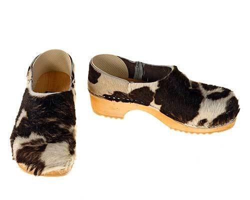 Closed Cowhide Clogs brown-white