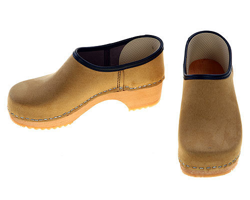 Velour leather Clogs closed