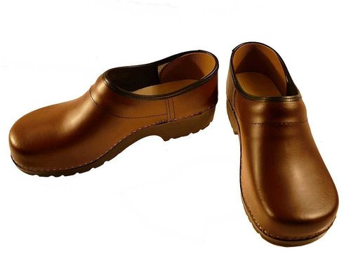 Soft Clog closed brown
