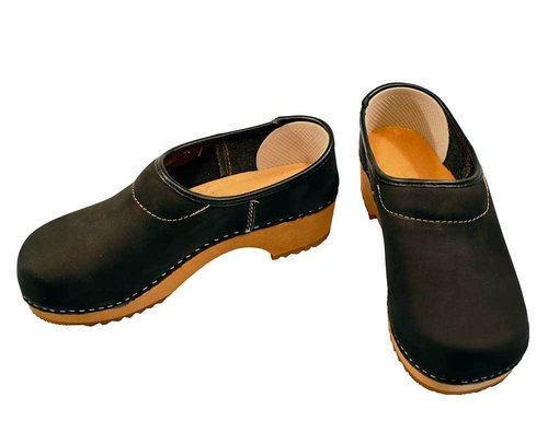 Nubuk leather Clog closed heel black