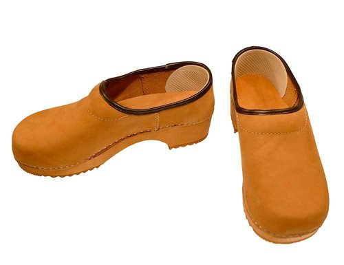 Nubuk leather Clog closed heel honey color