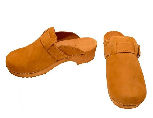 Nubuk leather Clogs with buckle honey color
